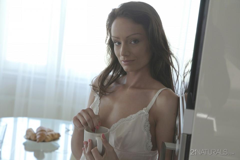 Sophie Lynx in Morning 3