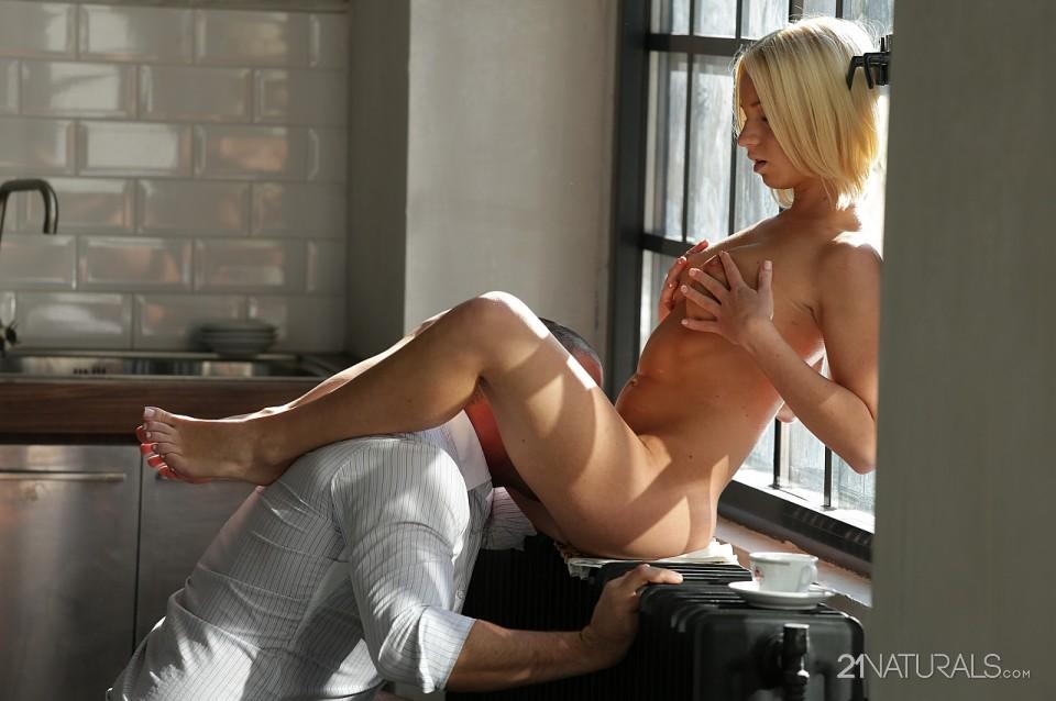 Kiara Lord in Window 10