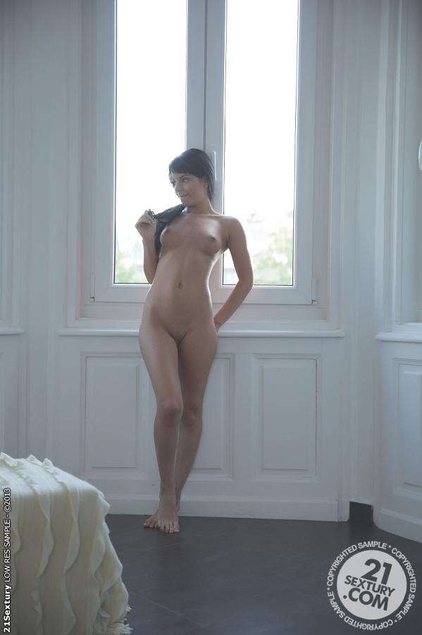 Jessyka Swan in Swan 1