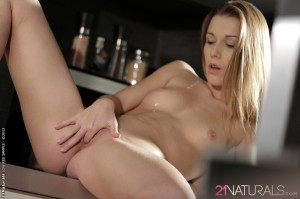 Alexis Crystal in Happiness 8
