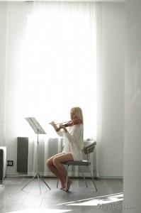 Kiara Lord in Violin