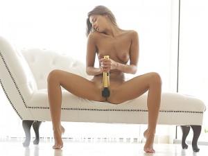 21 Naturals Maria Rya in Hot Pants 6